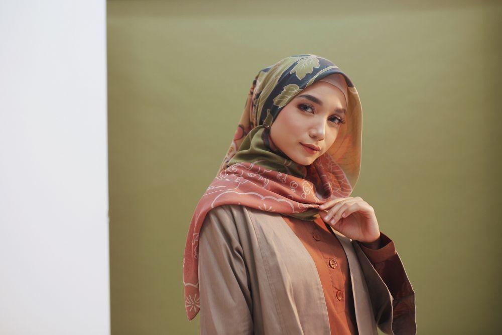 Pakai Hijab Segi Empat Dengan Tips Berikut Satu Pena